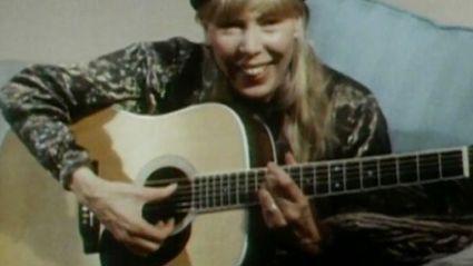 Joni Mitchell In New Zealand, 1988