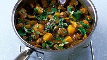 Lazy Lorna's Cooking Corner: One Pot Mushroom and Potato Curry