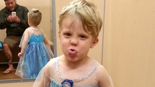 This Boy Wanted To Be Elsa For Halloween And His Dad Had The Best Response Possible!