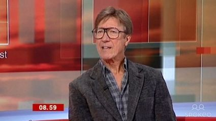 Legendary Shadows guitarist Hank Marvin chats to Brian