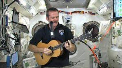Chris Hadfield Singing Space Oddity in Space