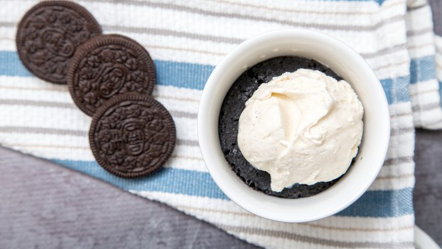 5-Ingredient Oreo Microwave Mug Cake Recipe