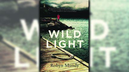 Stephanie Jones: Book Review - Wildlight by Robyn Mundy