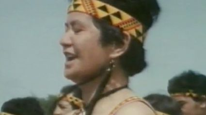 Patea Maori Club: Poi E