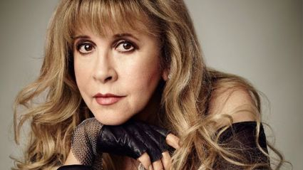 Stevie Nicks to record new version of Fleetwood Mac song for new Netflix series