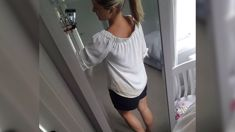 Toni Street's unfortunate wardrobe malfunction