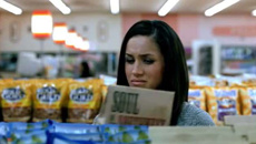 Watch a young Meghan Markle appear in a UK chip ad