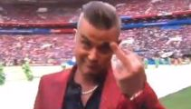 Robbie seen 'flipping the bird' during ceremony
