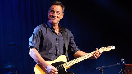 Watch Billy Joel bring Bruce Springsteen out at his concert