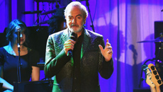 Neil Diamond has opened up about his plans to get back on stage