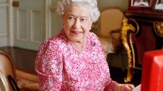 The Queen's brutal note to her chef after she found a dead slug in a salad is revealed