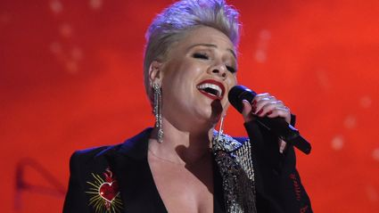 Watch Pink's incredible cover of Dolly Parton's 'Jolene'