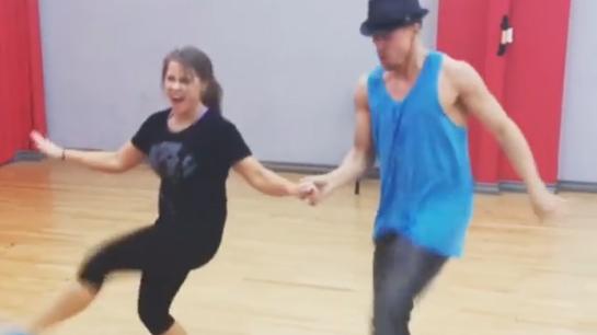 Dancing with stars bindi and derek dating