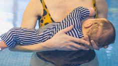 Kiwi mum sparks heated debate after being kicked out of public pool for breastfeeding in water