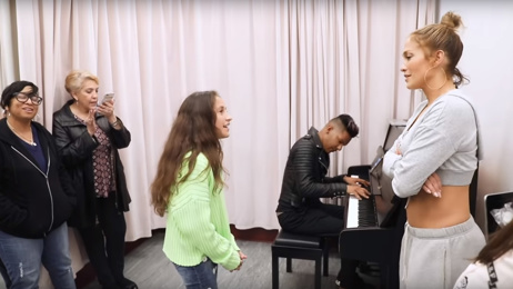 Jennifer Lopez's daughter shows off her impressive singing voice with powerful cover of Alicia Keys