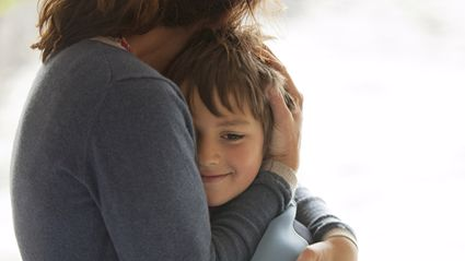 Study finds the more you hug your kids – the smarter they get!