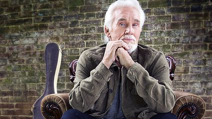 Country singer Kenny Rogers has been hospitalised