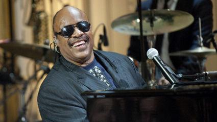 Stevie Wonder reveals he's to undergo kidney surgery