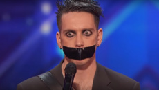 Kiwi comic Tape Face has been slammed for 'fraud' from upset fans