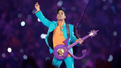 Prince's blistering live performance of Purple Rain - IN the rain at the Superbowl!