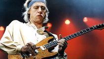 Mark Knopfler's EPIC 'Sultans Of Swing' guitar solo from 1983!
