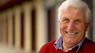 NZ acting legend Ray Henwood has died