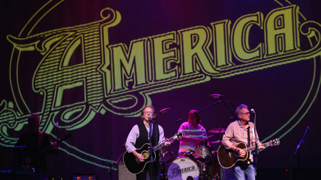 Mel Homer and Jason Tikao talk to legendary singer-songwriter Gerry Beckley of America