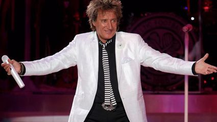 Rod Stewart and Robbie Williams have recorded a duet together for Rod's new orchestral album