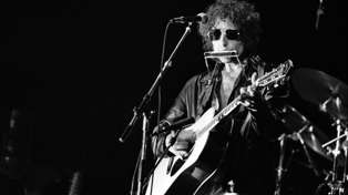 Thanks to a glitch Apple's Siri thinks Bob Dylan has been dead for 11 years