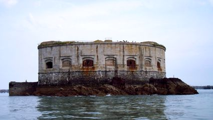 Shut Up And Take My Money: An island sea fort in Wales is for sale!