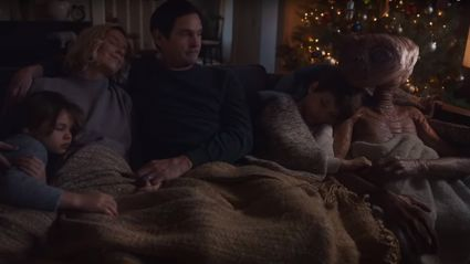E.T reunites with Elliott after 37 years for heartwarming Christmas advert