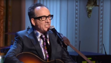 Elvis Costello performs impassioned live cover of the Beatles' classic 'Penny Lane'