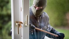 Here's how your home could attract burglars over the holidays