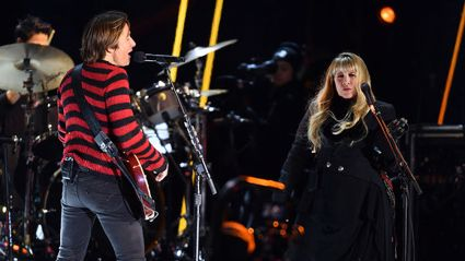 Stevie Nicks and Keith Urban perform rocky duet of 'Stop Draggin' My Heart Around' live