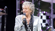 Rod Stewart reveals he spent his 75th birthday in hospital
