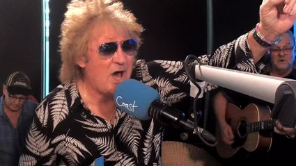WATCH: Mel and JT are treated to a special performance by Rod Stewart impersonator, Rud Stewart