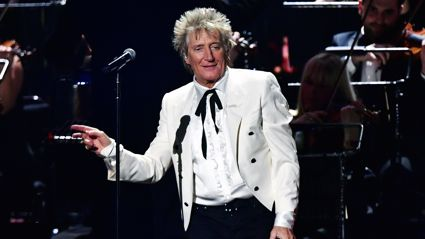 Rod Stewart closes the Brit Awards with stunning performance of 'I Don't Want To Talk About It'