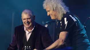 John Farnham, Olivia Newton-John and Brian May perform epic rendition of 'You're The Voice'