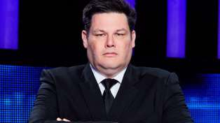 """The Chase's Mark """"The Beast"""" Labbett storms off set and punches a wall after losing his game"""