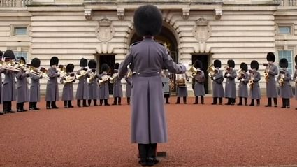 The Queen's guards at Buckingham Palace perform fun cover of Bon Jovi's 'Livin' On A Prayer'