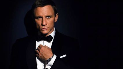 Daniel Craig sets pulses racing with steamy shirtless magazine cover