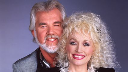 "Dolly Parton pays tribute to Kenny Rogers saying her heart is ""broken"""