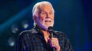 Brian Kelly pays tribute to Kenny Rogers