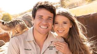 Bindi Irwin has married Chandler Powell and her wedding dress is stunning!