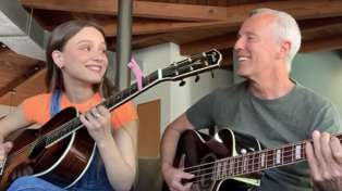 Tears for Fears' Curt Smith performs beautiful rendition of 'Mad World' with his daughter