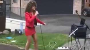 Tina Turner impersonator wows neighbours with live concert from her Tauranga driveway