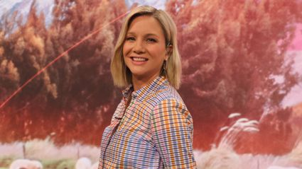 TVNZ Breakfast's Hayley Holt shows off her growing baby bump while revealing her baby's gender