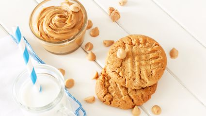 Mel Homer shares her super easy three ingredient crunchy peanut butter biscuits recipe