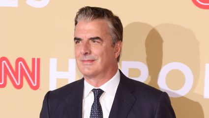 Chris Noth stuns fans after ditching his iconic hair and debuting a new shaved head look
