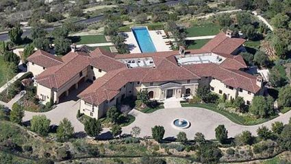 Prince Harry and Meghan Markle have been living in this ultra-luxury Beverly Hills hideout that belongs to Hollywood tycoon Tyler Perry. Photo / Google Earth